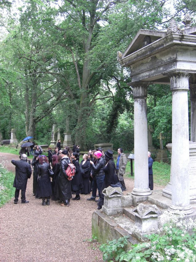 LGMG visit to Nunhead Cemetery